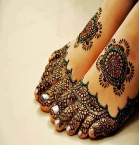 Mehendi-Design-on-Legs